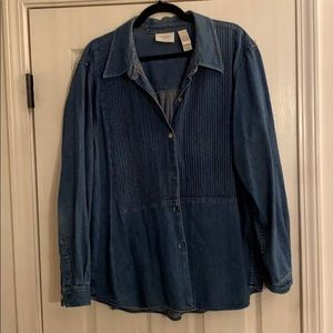 Liz Claiborne denim button down blouse
